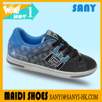fashionable skate shoes with RB outsole blue PU skate shoes durable skateboard shoes